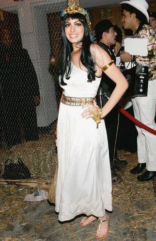 Anne Hathaway - Cleopatra